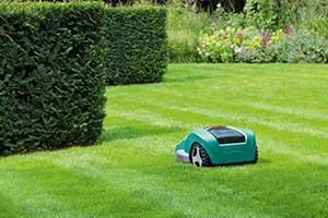Einfaches Rasenmähen dank Rasenrobotern